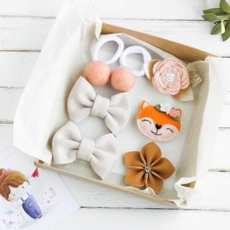 Персиковые заколки для девочки на день рождения