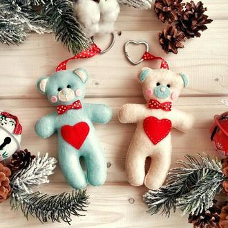 """Брелок """"Мишка в бирюзовом цвете"""": подарок к святому Валентина!"""
