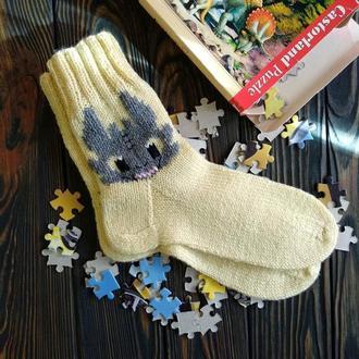 Вязаные носки с вышивкой дракона
