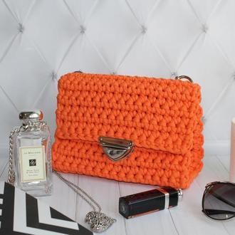 Оранжевая вязаная сумка
