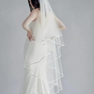 Свадебная фата с атласной каймой.