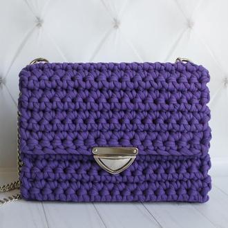 Фиолетовая вязаная сумка