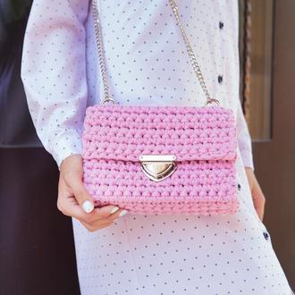 Розовая (пыльная роза) вязаная сумка