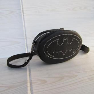 """Клатч - таблетка / поясная сумка """"бэтмен"""""""