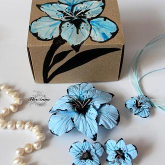 Оригинальный подарок девушке. Комплект украшений в подарочной коробочке
