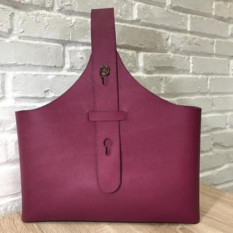 Малиновая сумка-шоппер из натуральной кожи.