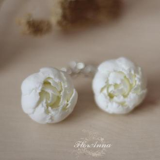 Серьги цветы из полимерной глины. пионы цвета айвори