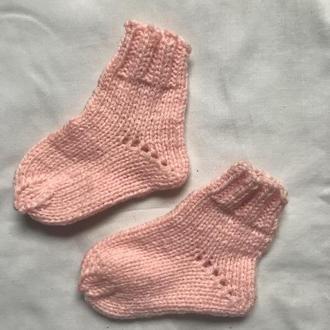 Вязаные носочки на девочку (полушерсть)