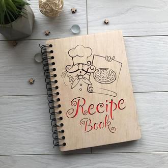 Записная книга для рецептов в деревянной обложке на спирали