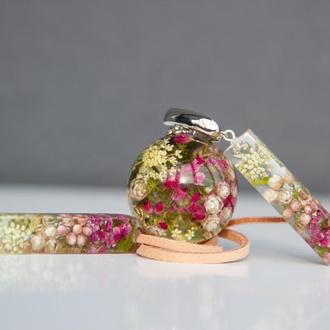 Комплект украшений с розовыми цветами (цветочные украшения, цветы в эпоксидной смоле)