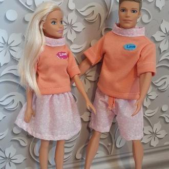 Набір одягу для Барбі і Кена.