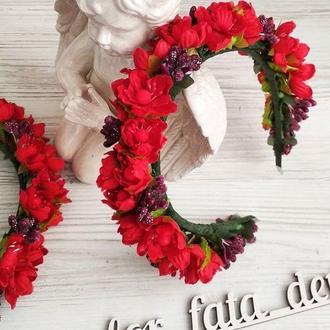 Цветочный обруч ободок на голову с красными цветами