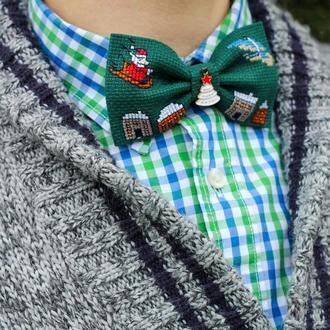 """Вышитая галстук-бабочка """"Christmas in the city"""""""
