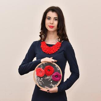 красное колье воротник , цветочное колье , текстильное колье с цветами