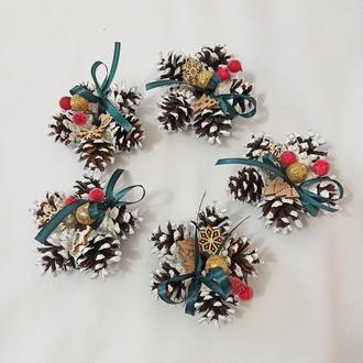 Різдвяний декор, набір ялинкових прикрас з натуральних шишок і ягід, упаковка 5 шт