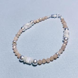 Браслет из индийского солнечного камня и лунного камня (адуляр) с серебром
