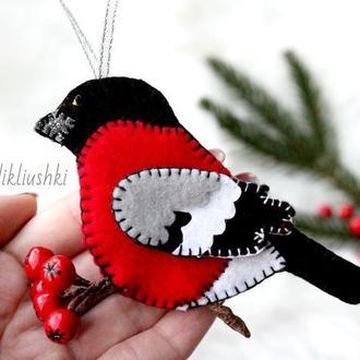 Фетровая игрушка на ёлку Снегирь. Снегирь на ёлку. Снегирь из фетра