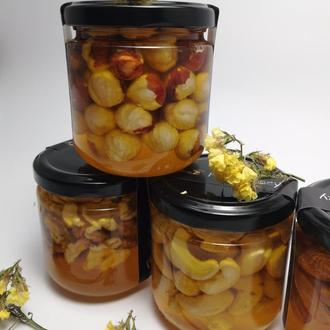 Мед з горішками кешью, горіхи, фундук,мигдаль, макадамія і волоський горіх