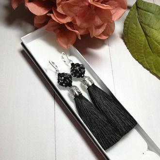 Серьги-кисточки средняя длина черные. Серьги-кисти средней длины черные.