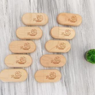 Подарочный набор из 5 или 10 деревянных флешек на 16-32 Гб для свадебного фотографа