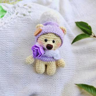"""Детская вязанная игрушка  """"Сиреневый медведь  в шапочке"""""""
