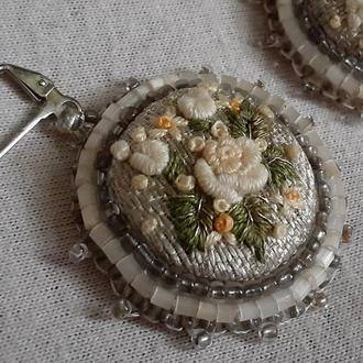 Серьги Круглые с объемной мини-вышивкой Цветы рококо Авторская Работа