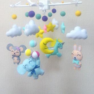Детский мобиль из фетра Слоник с шариками