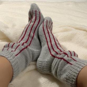 Вязаные серые носки для мужчин и женщин