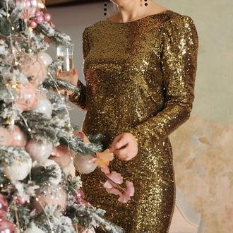 Вечернее платье из золотых пайеток