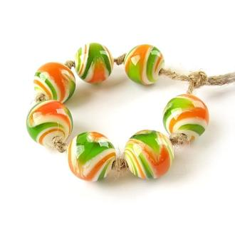 Бусины стеклянные «Гравитация зеленый оранжевый»