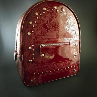 Лакированный рюкзак