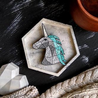 Брошь фантастический Единорог в геометрическом стиле. Авторская брошь Конь Юникорн ручной работы
