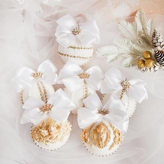 Золотые новогодние шары / Игрушки на елку белые / Украшения на елку / Новогодние игрушки / Набор 6шт.