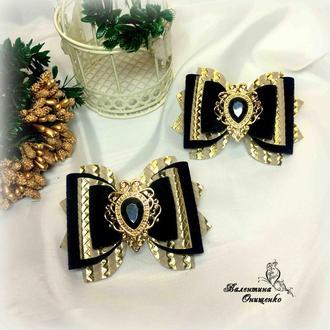 Бархатные золотисто-черные бантики
