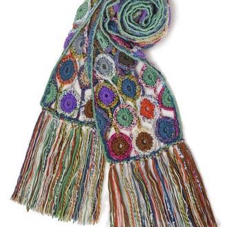 Оригинальный шарф с длинной бахромой