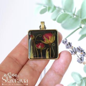 Підвіска Магічний трояндовий сад • Квадратный Кулон черный с красными розами в смоле