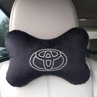 Подушка под голову в автомобиль с логотипом из стразов