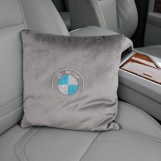 Подушка-плед из бархата с логотипом из стразов