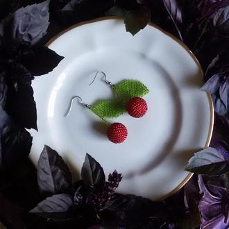 Красные серьги вишенки, сережки вишни