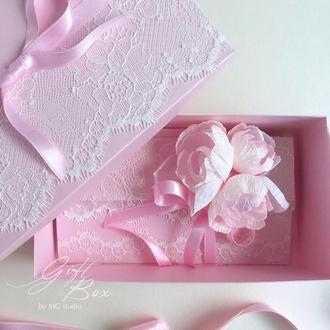 "Gift Box ""Bourgeois"" Цвет 3 (розовый) - открытка в коробочке"