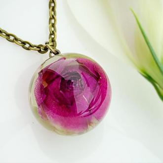 Подвеска с розой. Украшения из цветов. Малиновый кулон розочка (модель № 2634) Glassy Flowers