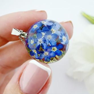 Кулон с голубыми незабудками. Подвеска с цветами. Синие незабудки (модель № 2636) Glassy Flowers