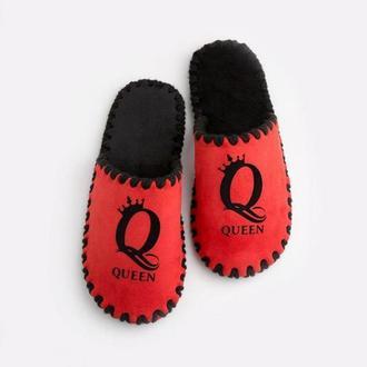 Женские домашние тапочки Queen, красного цвета, закрытой формы