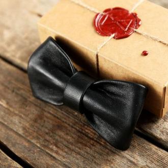 Кожаная галстук - бабочка. Черная галстук - бабочка