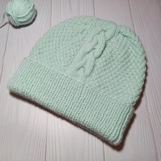 Мятная шапка бини