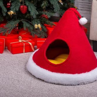Лежак для котов и собак Pets Lounge Шапка Санты, красный