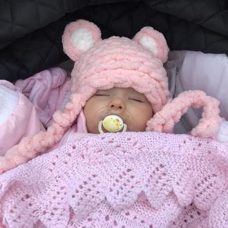 Мягкая шапка для малыша.