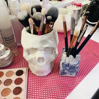 Органайзер череп XXL для макияжных кисточек (декор, лофт, ваза для сухоцветов, ваза под косточки)