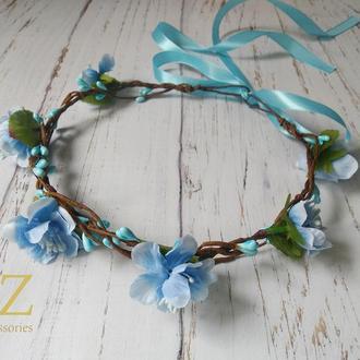 Голубой венок на голову с цветами