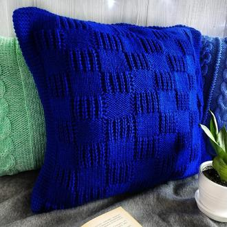 Диванная подушка (наволочка) вязаная синяя с геометрическим узором на пуговицах - 40*40 см